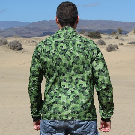 Backside view of a Running Jacket M90 MI.
