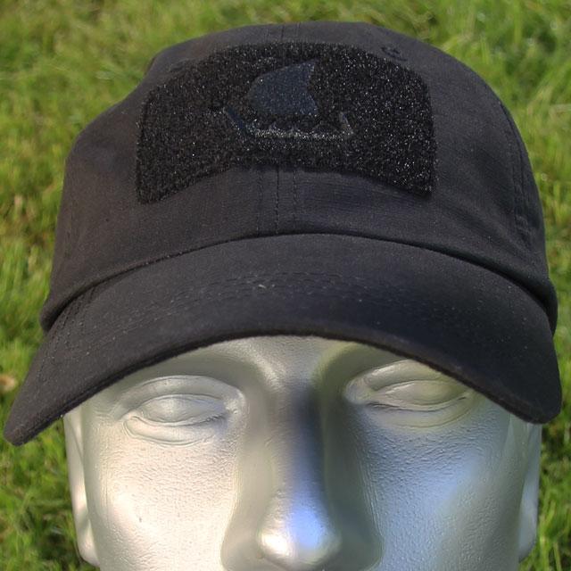Mannequin wearing a Baseball Cap Black.