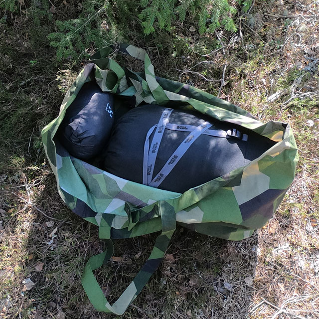 Loaded up and ready to be carried, the Biggie Bag M90