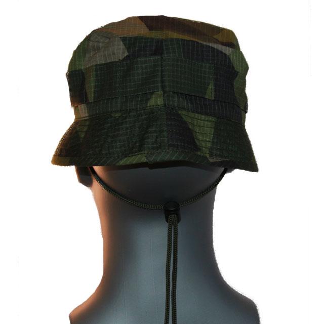Back view of a Bush hat M90.