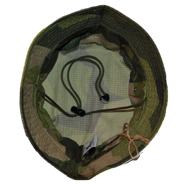 Inside skull area on a Bush hat M90.