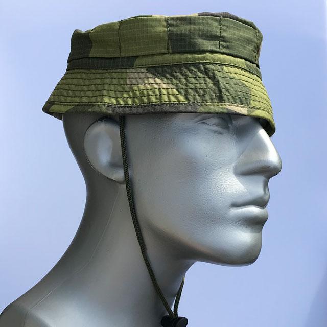 Side view of a Bush hat M90.
