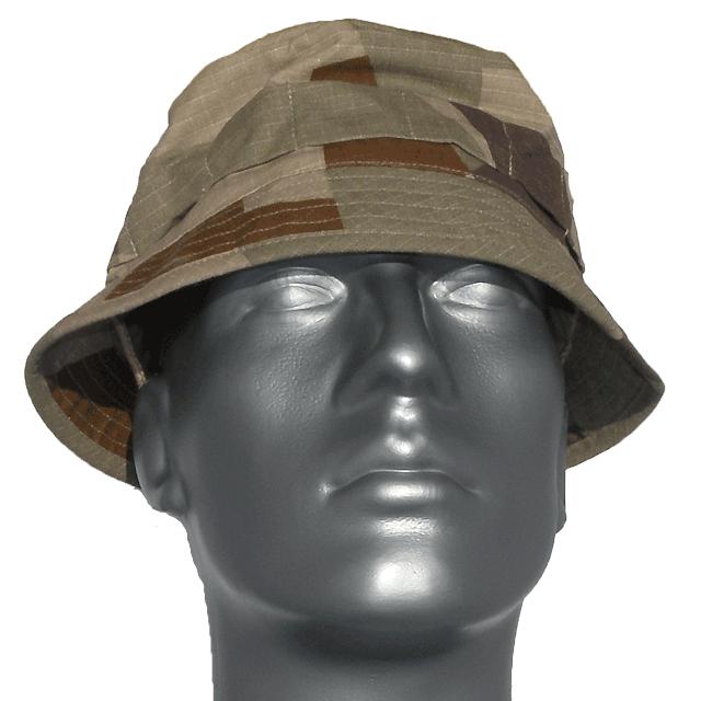 Bush Hat M90K Desert front picture on a mannequin.