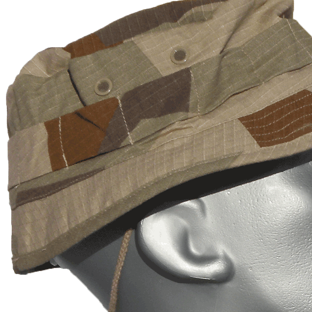 Close up on the side of a Bush Hat M90K Desert.