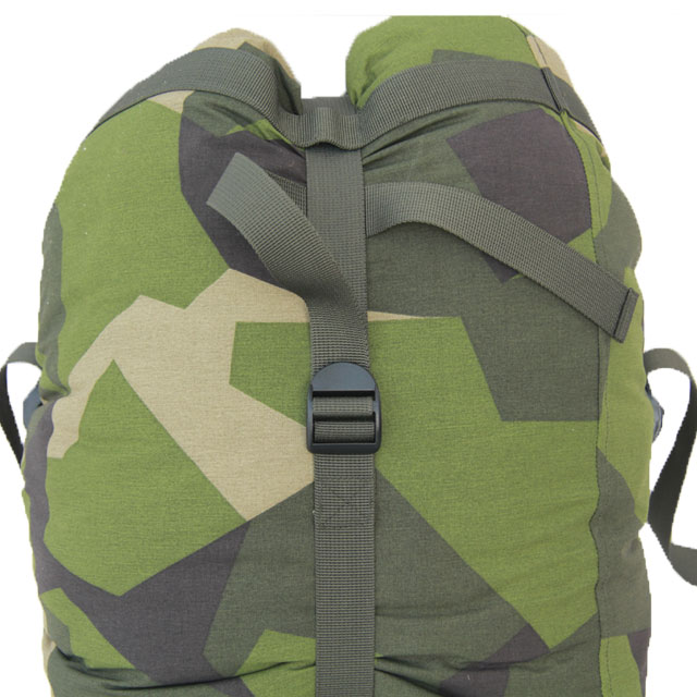 his excellent Compression Sack in M90 Camouflage is thought of for your sleeping bag or clothes, it comes in a fabric printed in Anti IR color that is water resistant.  The bag can hold a normal Sprin