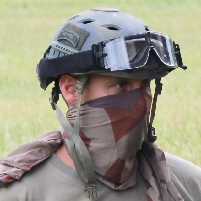 Ops core helmet and goggles worn together with a Desert Scarf M90K.