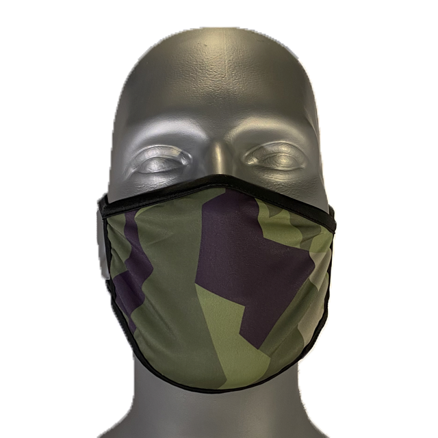 M90 Face Mask mounted on a manequin seen from the front full on