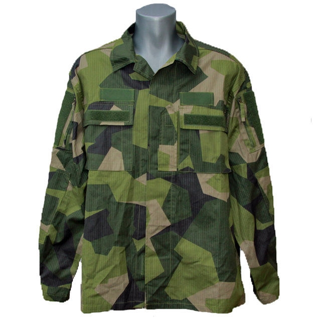 Mannequin with a Field Shirt M90.