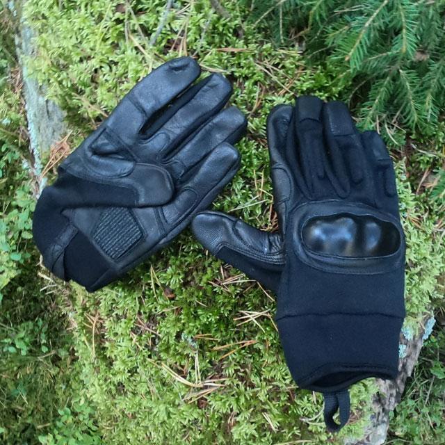 OPPO Glove Black in Swedsih forest