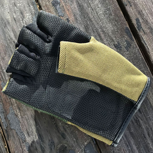 Sage green thumb on a Short Finger Tactical Glove Green.