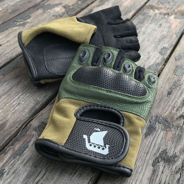 Vikingboat print on a pair of Short Finger Tactical Glove Green
