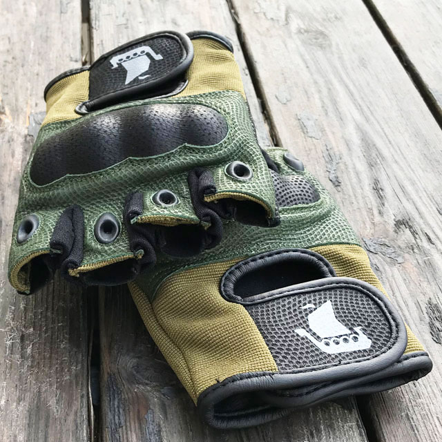 Finger ventilation on Short Finger Tactical Glove Green.
