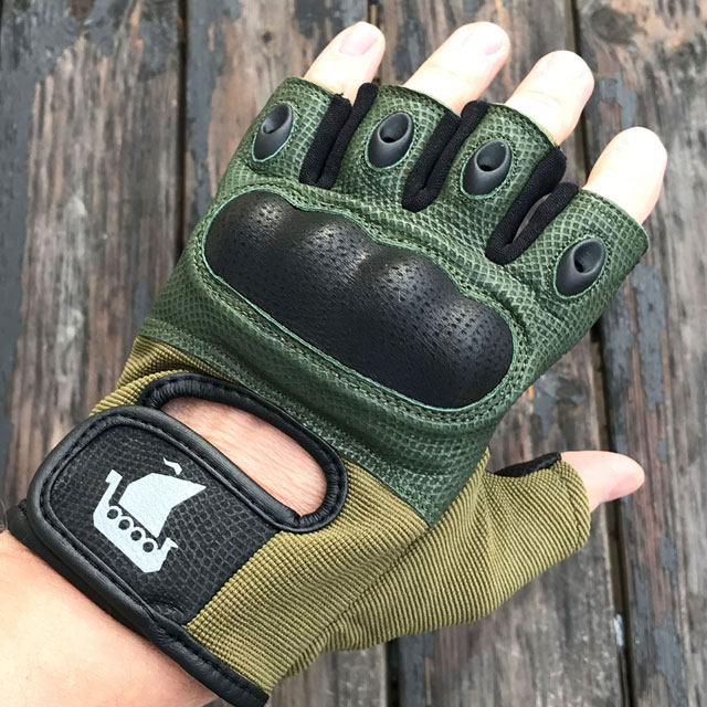Short Finger Tactical Glove Green with knuckle protecting.