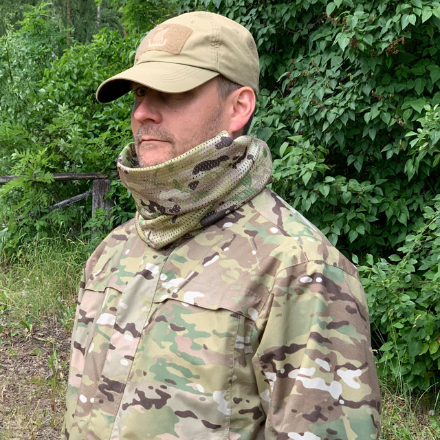 Mesh Scarf Multicam seen from the side
