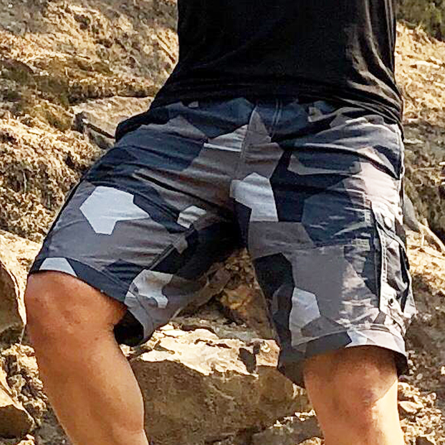 NEPTUNE Shorts M90 Grey worn in the sun