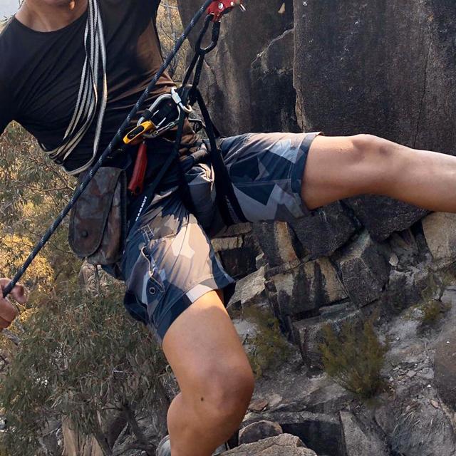 NEPTUNE Shorts M90 Grey worn on mountain climb