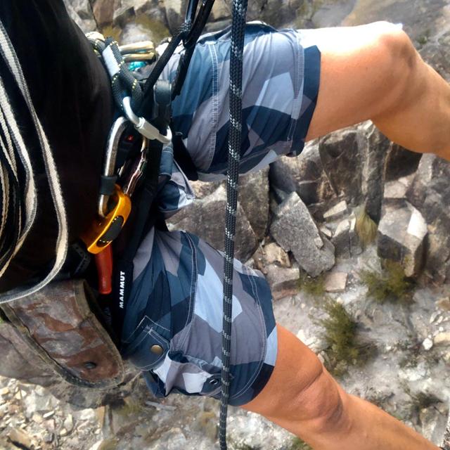 NEPTUNE Shorts M90 Grey worn during rapelling
