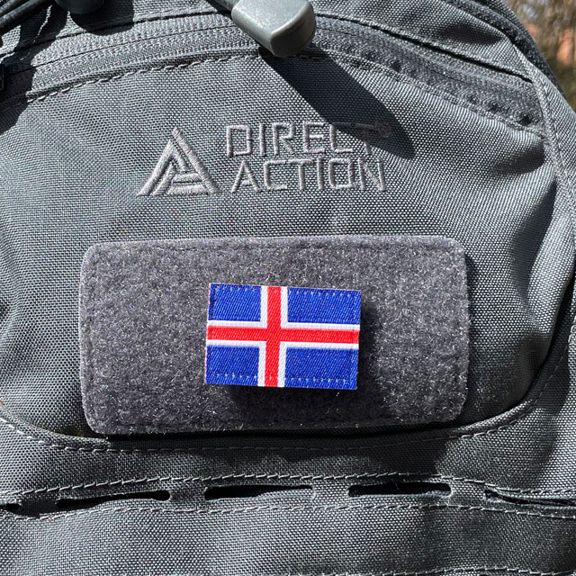 A Iceland Flag Hook Patch Small from TAC-UP GEAR mounted on a grey rucksack