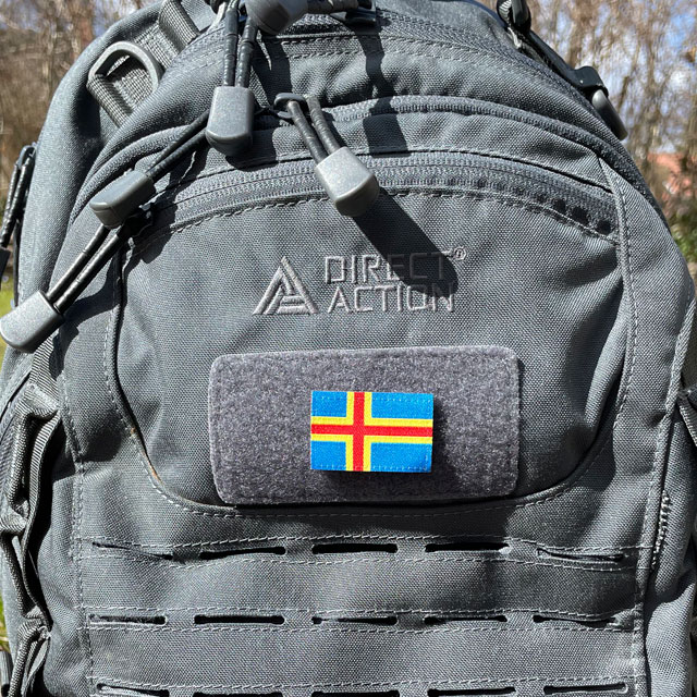 Åland Flag Hook Patch Small from TAC-UP GEAR mounted on a grey rucksack