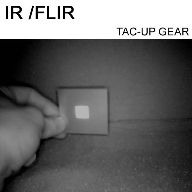 IR and FLIR IFF ID Märke Öken sedd genom IR-kamera.