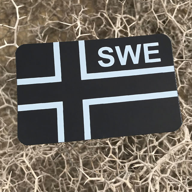 IR - SWE Flagga IFF Svart/Grå.