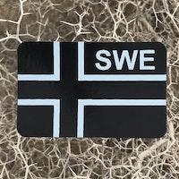 IR - SWE Flagga IFF Svart/Grå