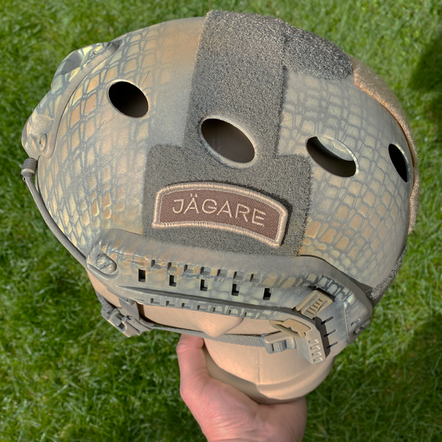 JÄGARE Desert Hook Patch on a helmet
