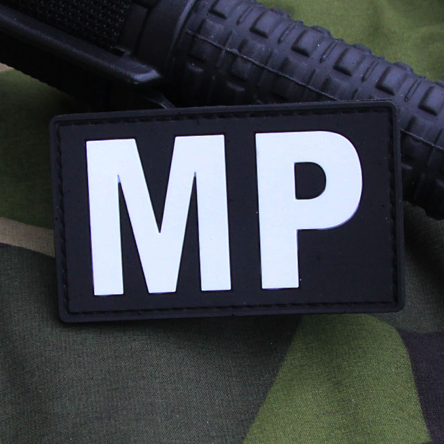 Ett Militärpolis PVC Patch märke.