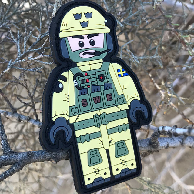 Outdoors photo of a SWE SOG PVC Figur Patch.