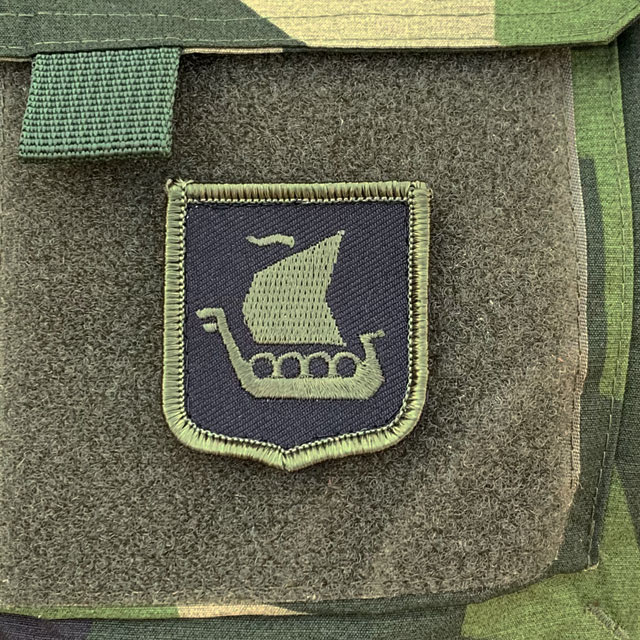 Vikingship Shield Hook Green and Black Patch on velcro pocket