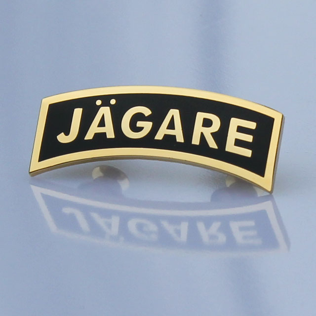 Pin JÄGARE Gold/Black.