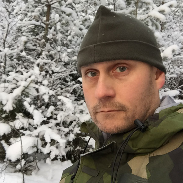 Snow and cold and worn Recce Fleece Cap in Swedish winter.