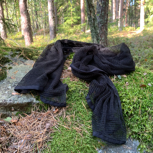 Scrim Net Scarf Black in the Swedish forest