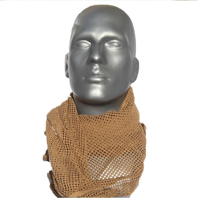 A mannequin wearing a Scrim Scarf Desert Tan.