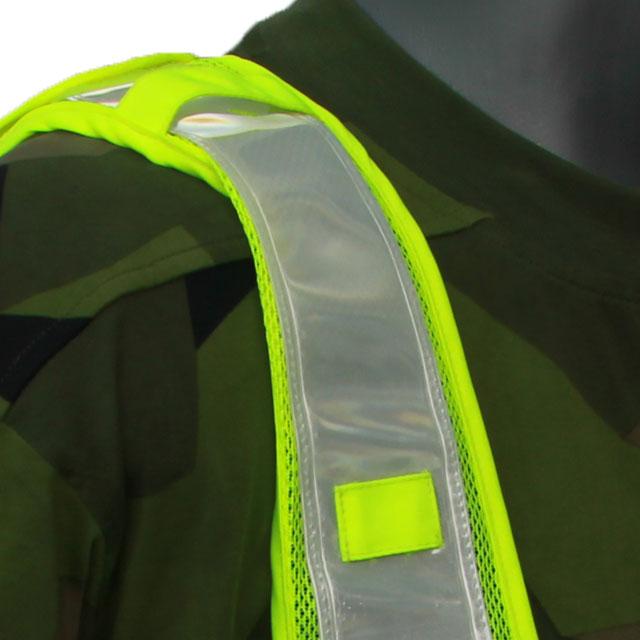 Närbild av en Skyddsvakt Reflexsväst som visar axeln.