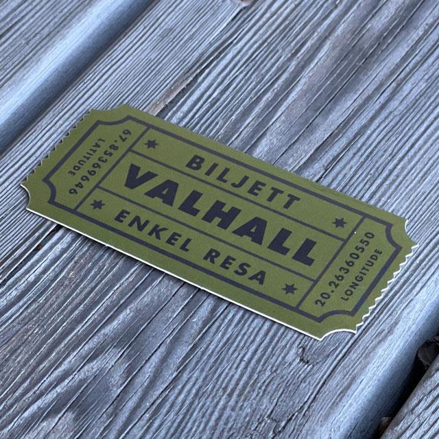 Sticker Biljett Valhall Militärgrön sedd från sidan