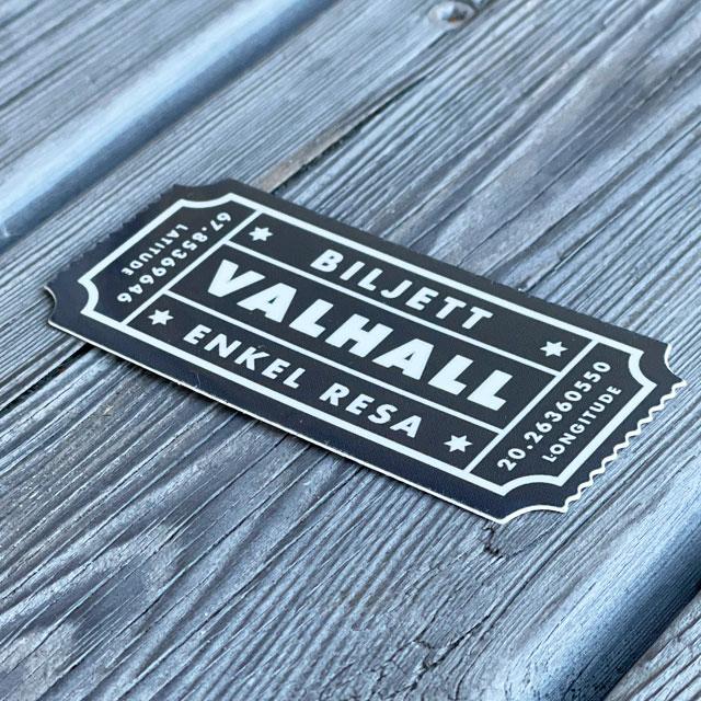 Sticker Biljett Valhall Svart/Vit sedd från sidan