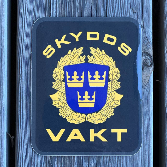 Sticker Skyddsvakt seen from the front