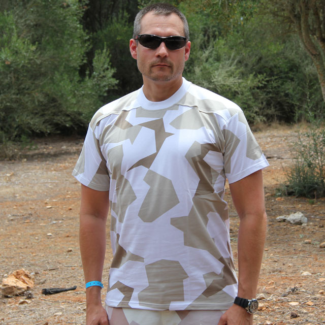 Showing front of a T-Shirt M90 Arctic Winter in a hot summer environmet.