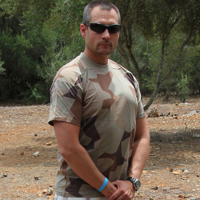 Front view T-Shirt M90K Desert photo on hot weather environment.