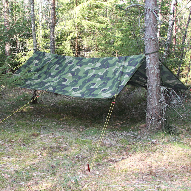 A Tarp M90 Light strung up in the Swedish forest
