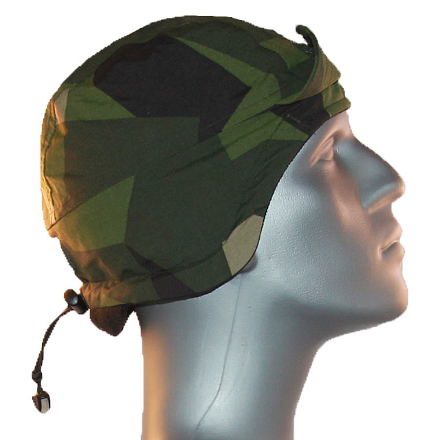 Mannequin side view of a Thermal Cap M90.