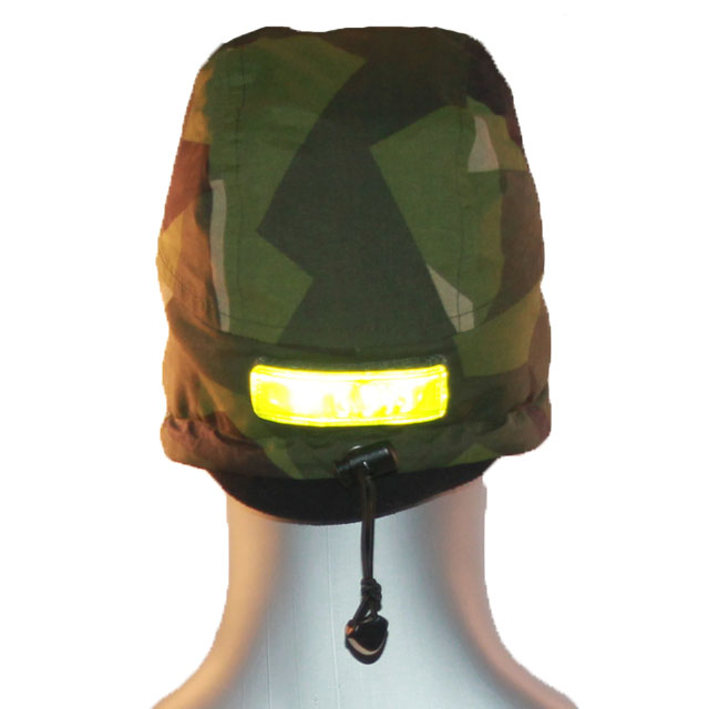 Reflective patch on the back of a Thermal Cap M90