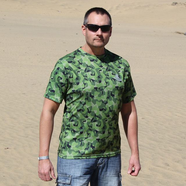 Desert background on a photoshoot of our Training T-Shirt M90 MI.