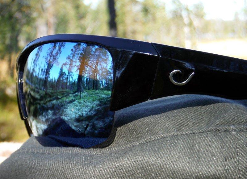 Solglasögon, grå, polariserande. Mustad