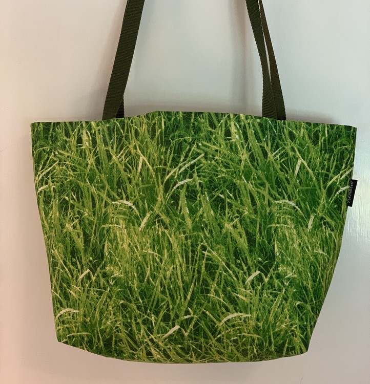 Shoppingkasse gräs