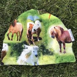 Mössa Barn/Ungdom 6-14 år - Hästar äng