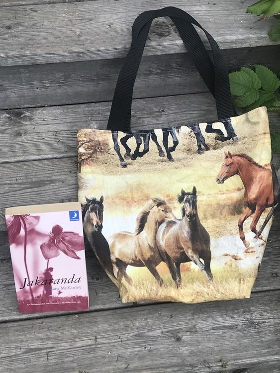 Kasse medium hästar digitaltryck