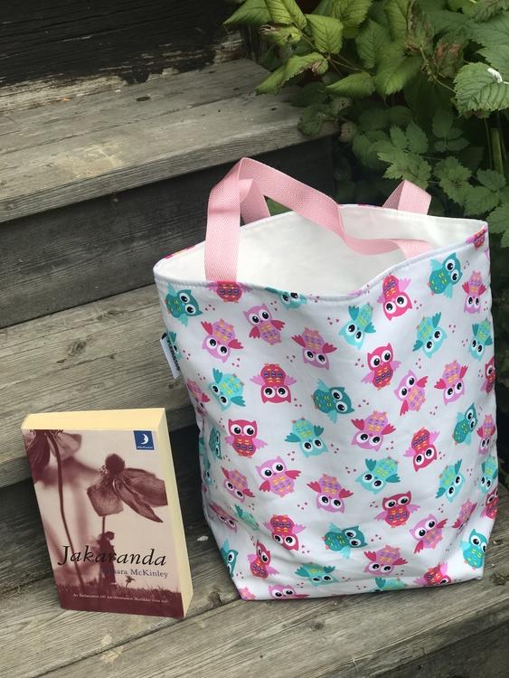 Kasse medium med gröna/rosa ugglor