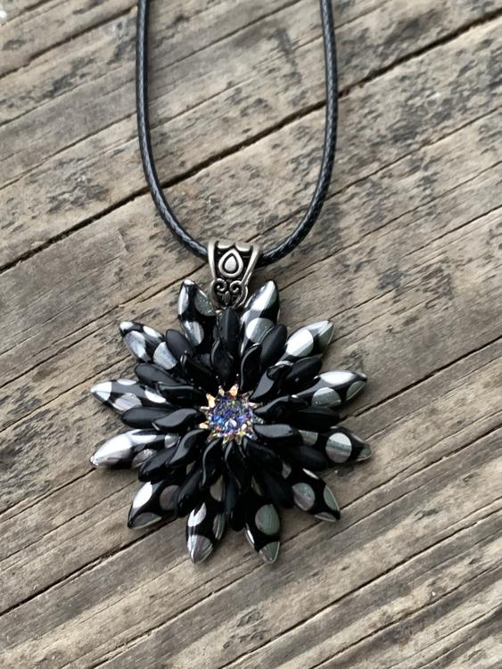 Hänge svart/silver solros
